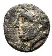 Bronze Æ9 – avers