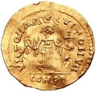 1 tremissis Au nom de Justinien I, 527-565 (glands parallèles) – revers