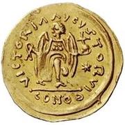 1 tremissis Au nom de Justinian I, 527-565 (glands croisés; tout droit) – revers