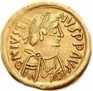1 tremissis Au nom de Justin II, 565-574 (Victoire face à gauche; ruban grand) – avers