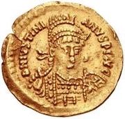 1 solidus Anonyme / Au nom de Justinien I, 527-565 (étoile à gauche) – avers