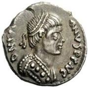 ½ silique Vitigès / Au nom de Justinien I, 527-565 (Ravenne) – avers