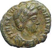 Nummus Théodora (PIETAS ROMANA à la croix et sans globule à l'exergue) – avers
