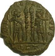 Follis - Constance II (GLORIA EXERCITVS, deux enseignes, Rome) – revers