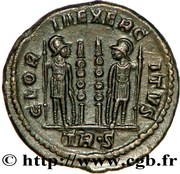 Follis - Constance II (GLORIA EXERCITVS, deux enseignes, Trèves) – revers