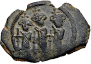 Fals - Anonymous - three standing figures type - 685-692 AD (Arab-Byzantine) – avers