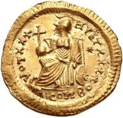 1 solidus Au nom de Theodosius II, 402-450 (type 2; étoile à droite) -  avers