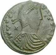 Æ bronze Au nom de Constantius II, 337-361 (cavalier vers le haut; soldat volant au cheval; lance courte) – avers